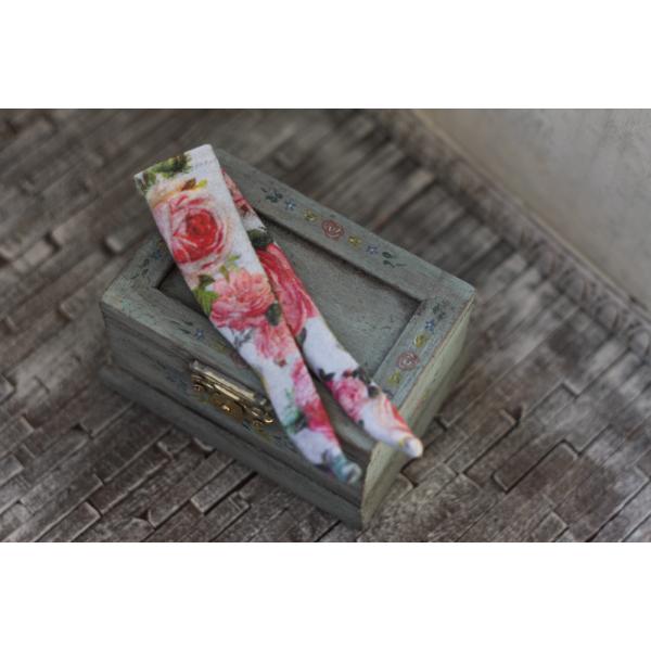 Rose Garden Socks